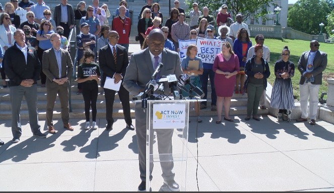 Educators rally against lack of new state funding for schools